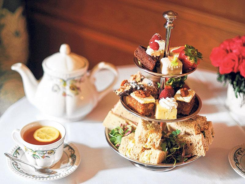Tiệc trà là gì? Các loại hình tiệc trà và quy trình tổ chức