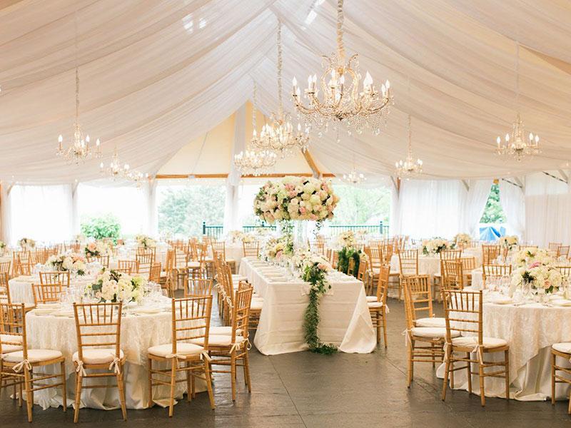 Xu hướng tiệc cưới 2021: Tiệc cưới thân mật