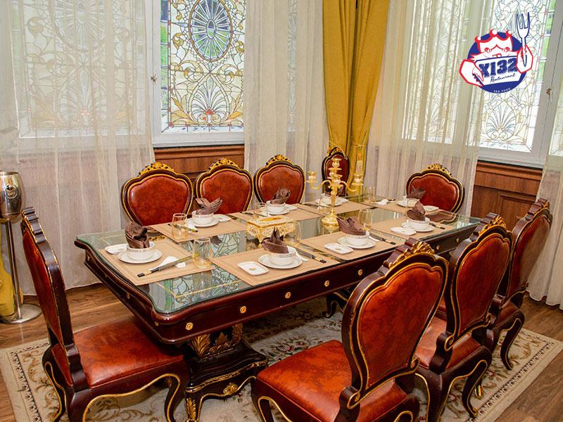 Tiệc set menu thường được tổ chức tại nhà hàng, khách sạn hay trung tâm hội nghị