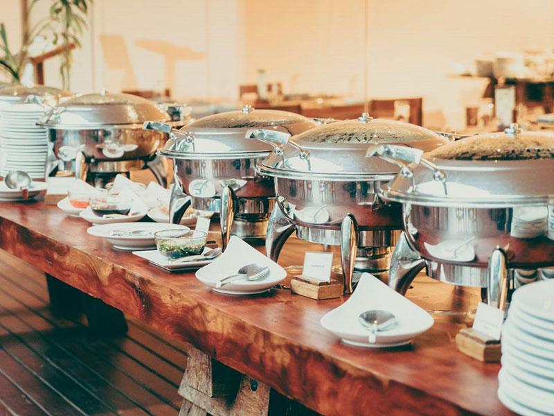 Việc lựa chọn khung thời gian thích hợp để tổ chức tiệc buffet ảnh hưởng tới sự thành công của bữa tiệc cũng như sự kiện đó